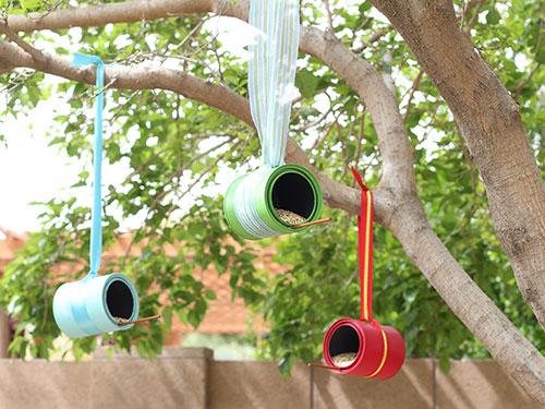 1diy-bird-feeders-paint-can-feeder-lgn