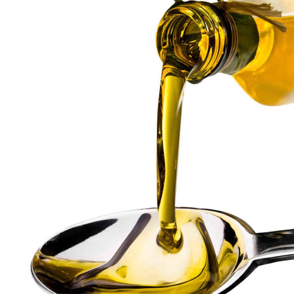 olive-oil_sq-e4b656991b973d6de22fb74a05922bb0650e9e5a-s6-c30