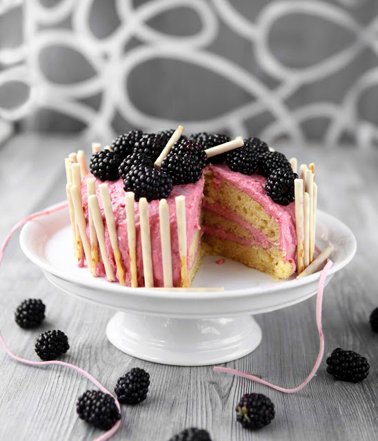 torta sa malinama i kupinama