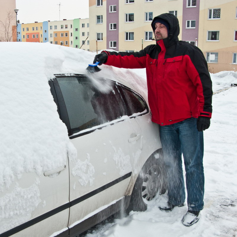 auto sneg ciscenje
