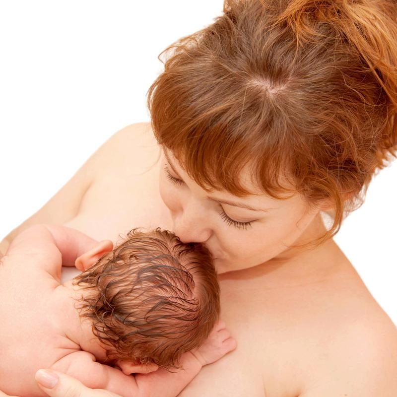 majka i beba posle porodjaja