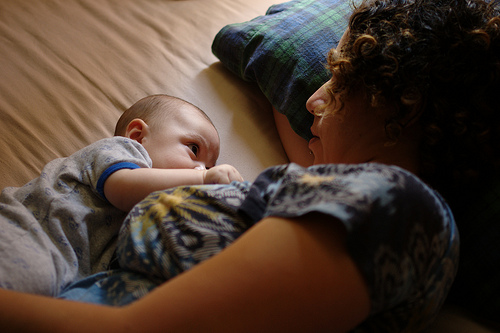 dojenje lezanje jastucic
