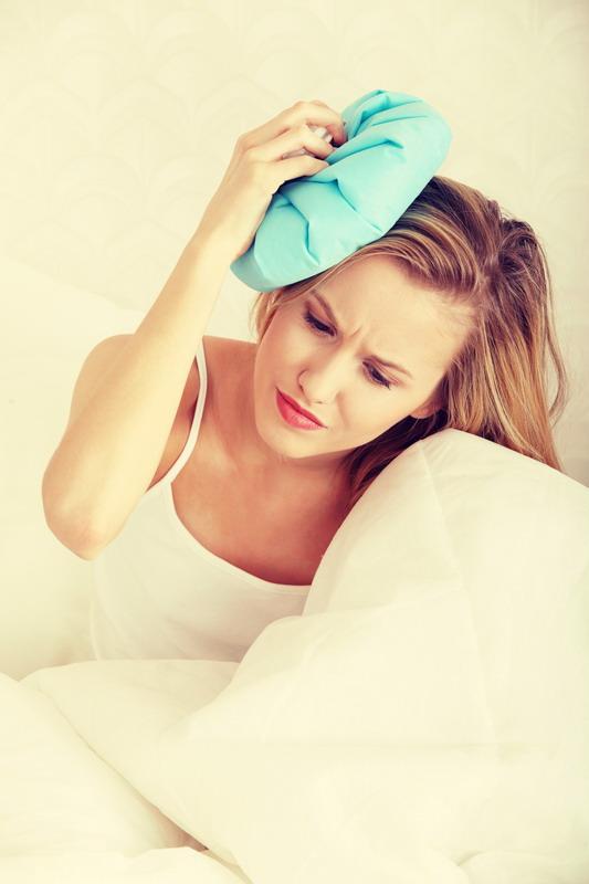 lepa devojka glavobolja