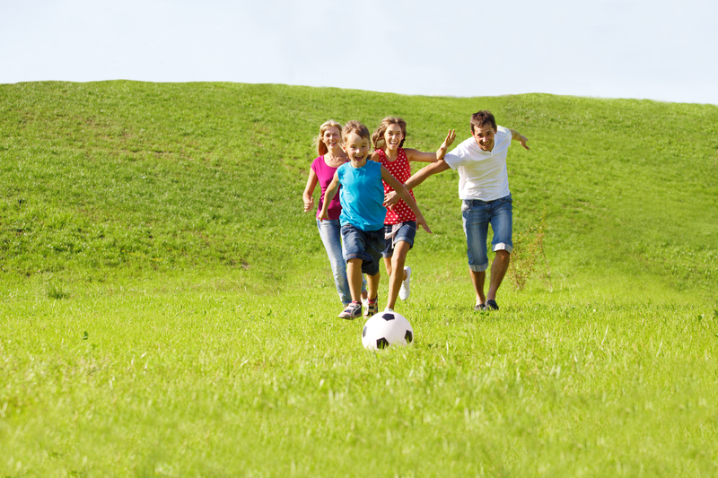 http://www.dreamstime.com/royalty-free-stock-image-parents-kids-running-image20933236