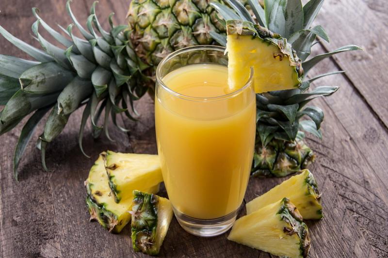 sok od ananasa sveze iscedjen