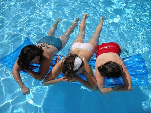 zaštitite kosu na kupanju