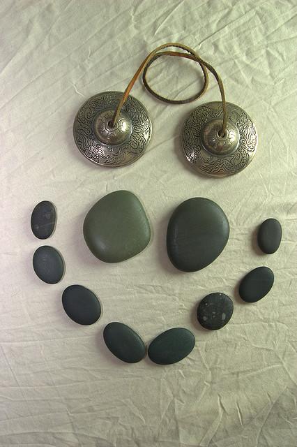 masažu vrućim kamenjem