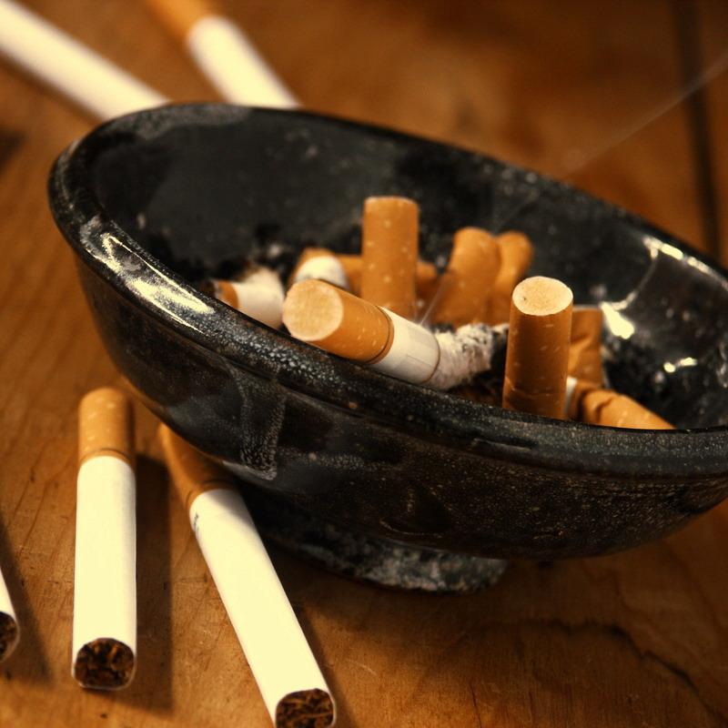 pepeljara i cigarete
