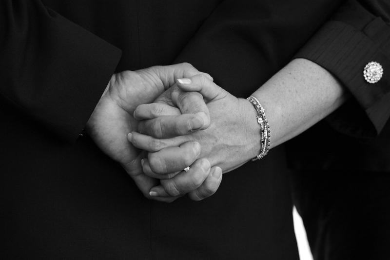 drže se za ruke