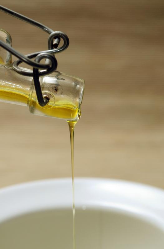 sipanje maslinovog ulja