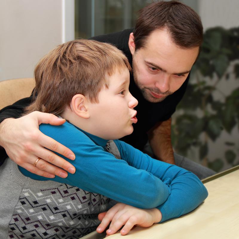 tata i sin razgovaraju