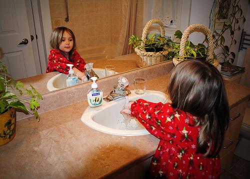 pranje ruku curica