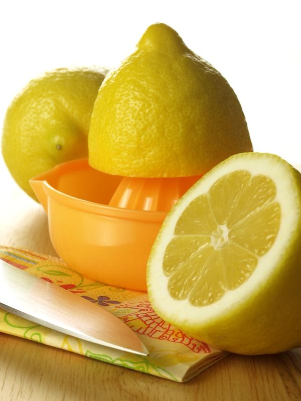 http://www.dreamstime.com/stock-photo-squeezing-lemon-image26773690