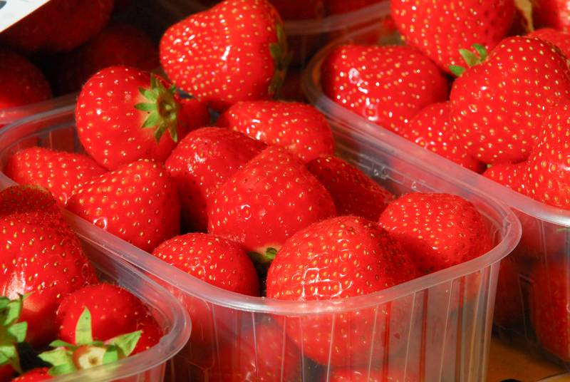 http://www.dreamstime.com/stock-images-market-strawberies-fresh-stawberies-outdoor-venice-image43304524
